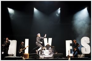 The_Hives_001.jpg