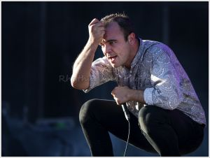 FutureIslands©RhythmAndPhotos_079.jpg