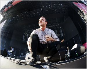 FutureIslands©RhythmAndPhotos_102.jpg